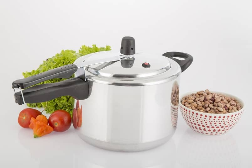 Traditional Pressure Cooker vs Electric Pressure Cooker