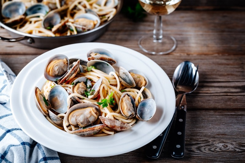 Pressure Cooker Clams