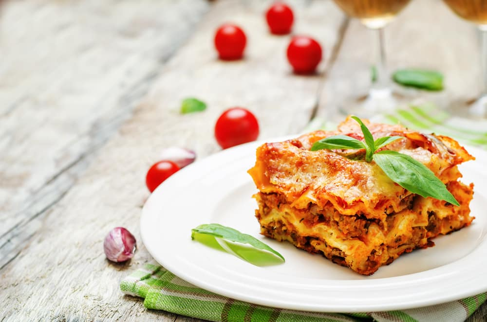 why put egg in ricotta cheese in lasagna