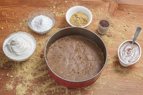 Sticky cheesecake base