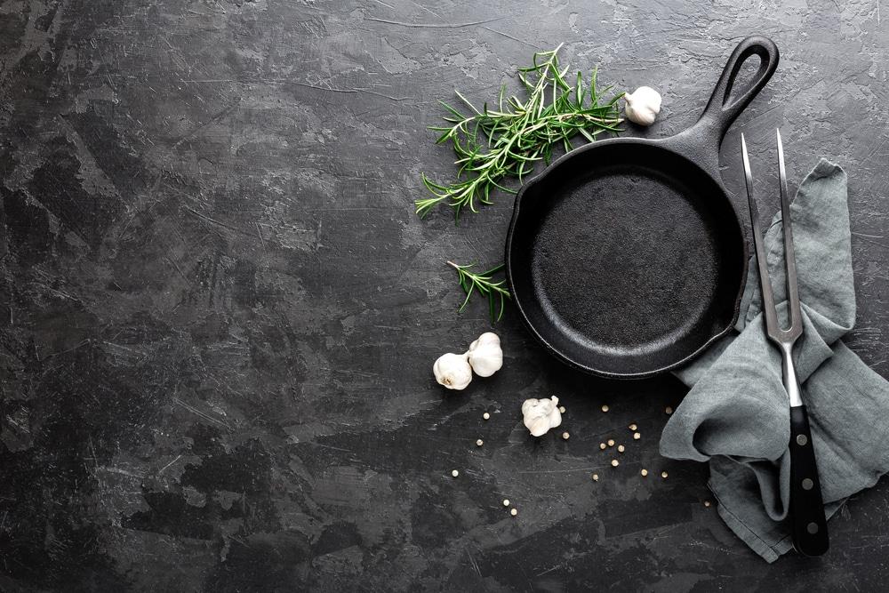 calphalon pans turning white
