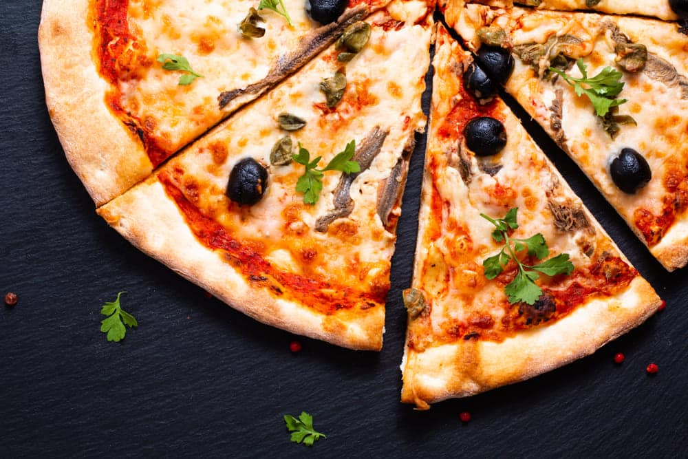 do anchovies on pizza have bones