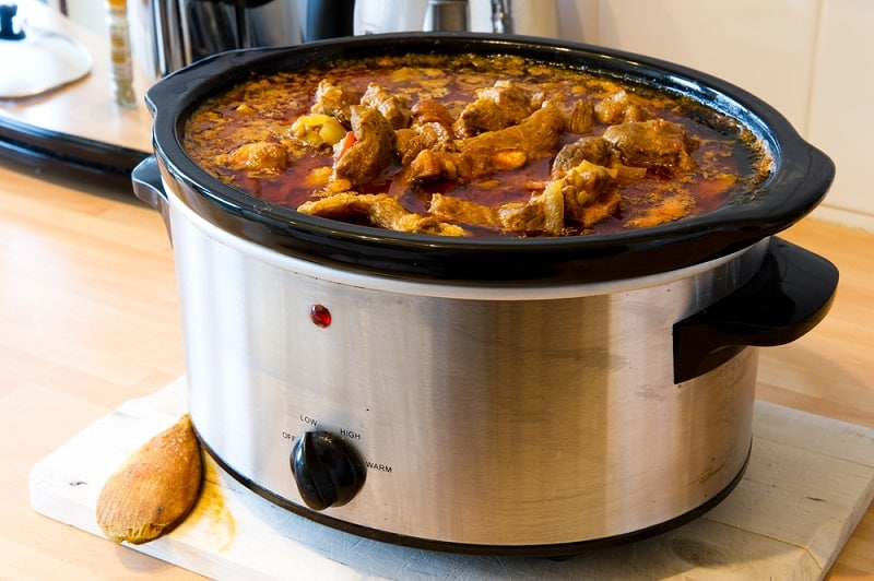 How Many Pounds Of Meat Will A 6 Quart Slow Cooker Hold?