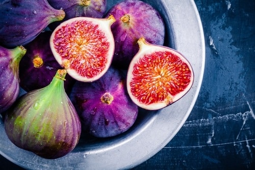 Figs are perfect to make savory and sweet dish