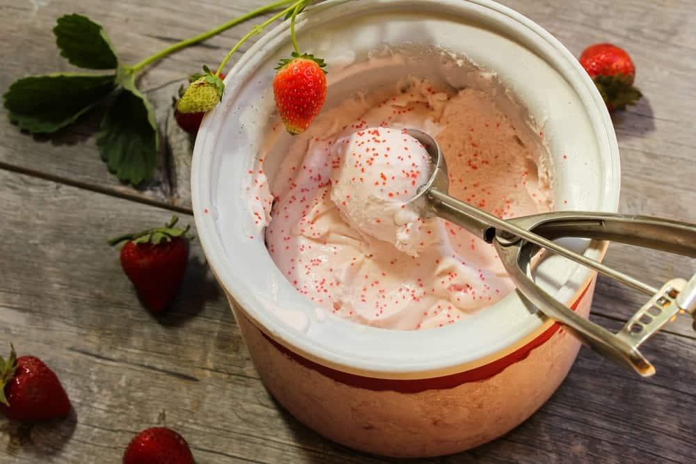 ice cream won't thicken in ice cream maker