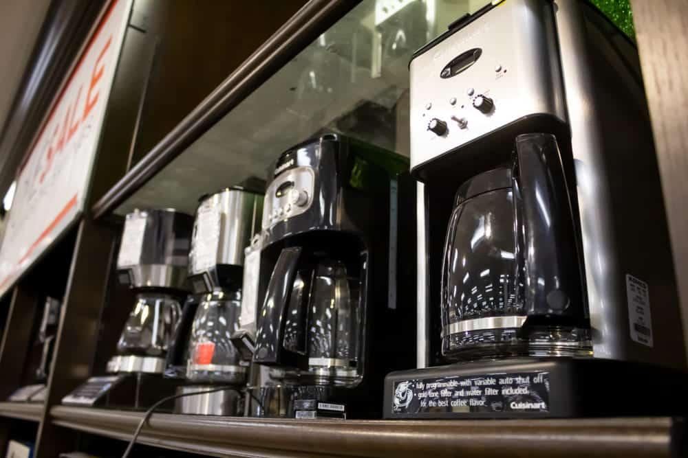 cuisinart coffee maker leaks from bottom
