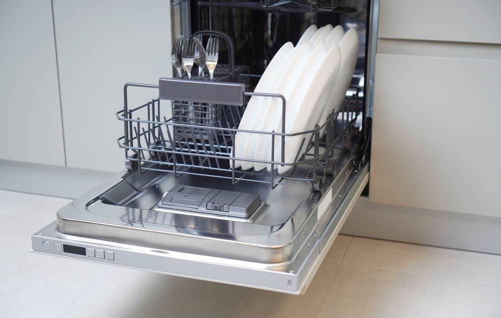 dishwasher not spraying water